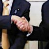 日米首脳会談 頭撫でられ喜ぶ安倍政府